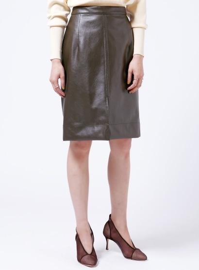 フェイクレザーミディタイトスカート